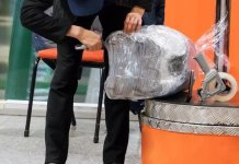 PAKISTANIS ANGERED BY NEW AIRPORT BAGGAGE WRAPPING POLICY