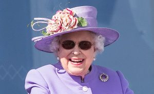 queen elizabeth cataract sugery