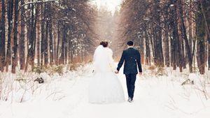 winter wedding 493974290