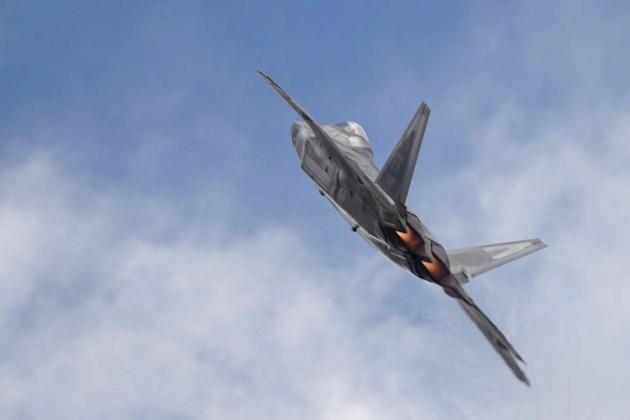 Sony 100-400mm GM F-22 Raptor