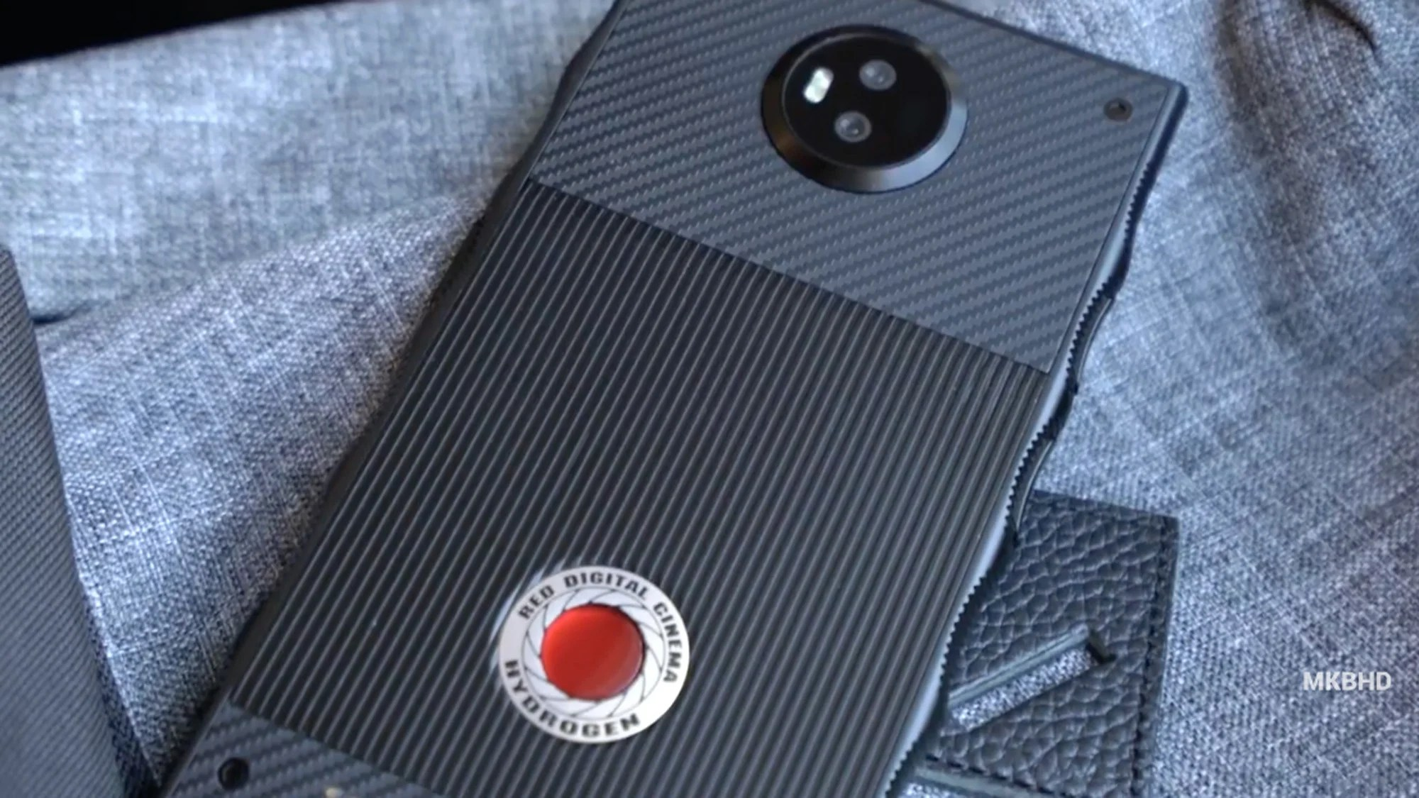The Bizarre RED Hydrogen One Phone Makes Its Big Screen