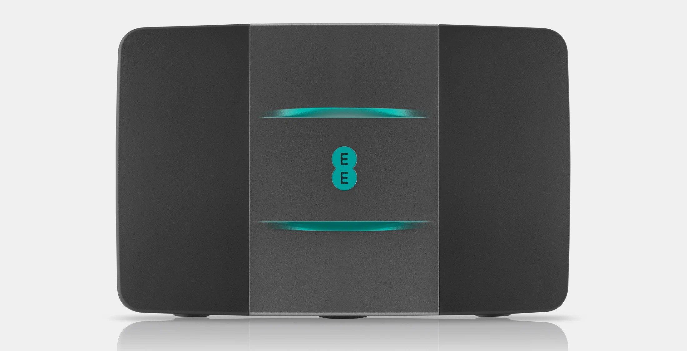 EE Outs 300Mpbs Fibre Max Broadband With Huge Bonus For