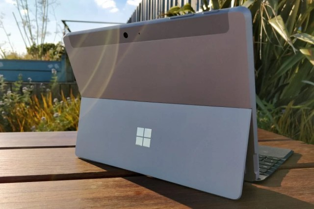 Microsoft Surface Go Review ~ TOP 10 RADAR