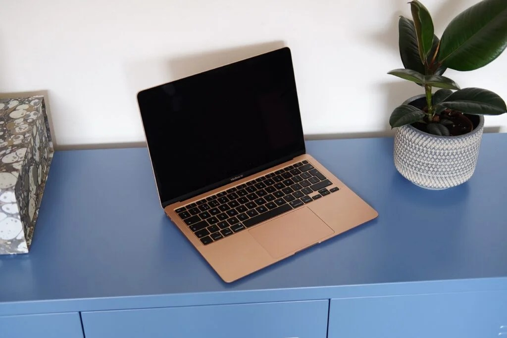 MacBook Air 2020 года