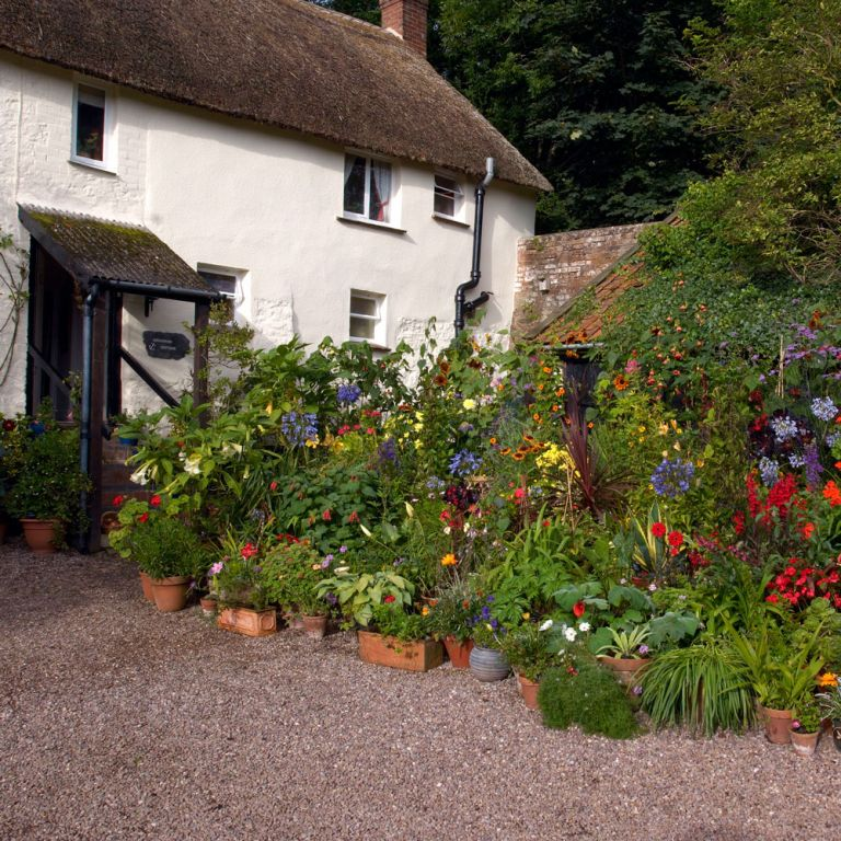Front garden ideas - best front garden designs for kerb appeal on Cottage Patio Ideas id=88698