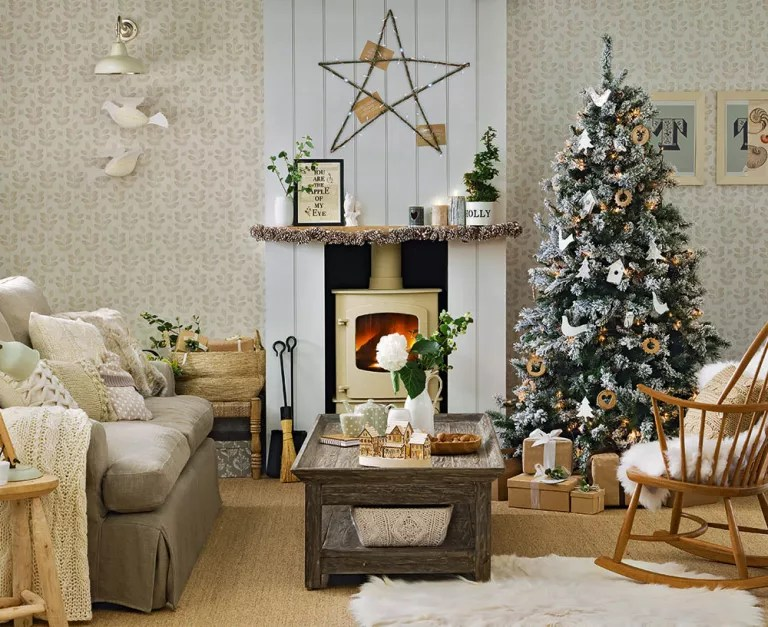 Rustic Christmas decorating ideas for a Scandi-style Christmas on Traditional Rustic Decor  id=62125