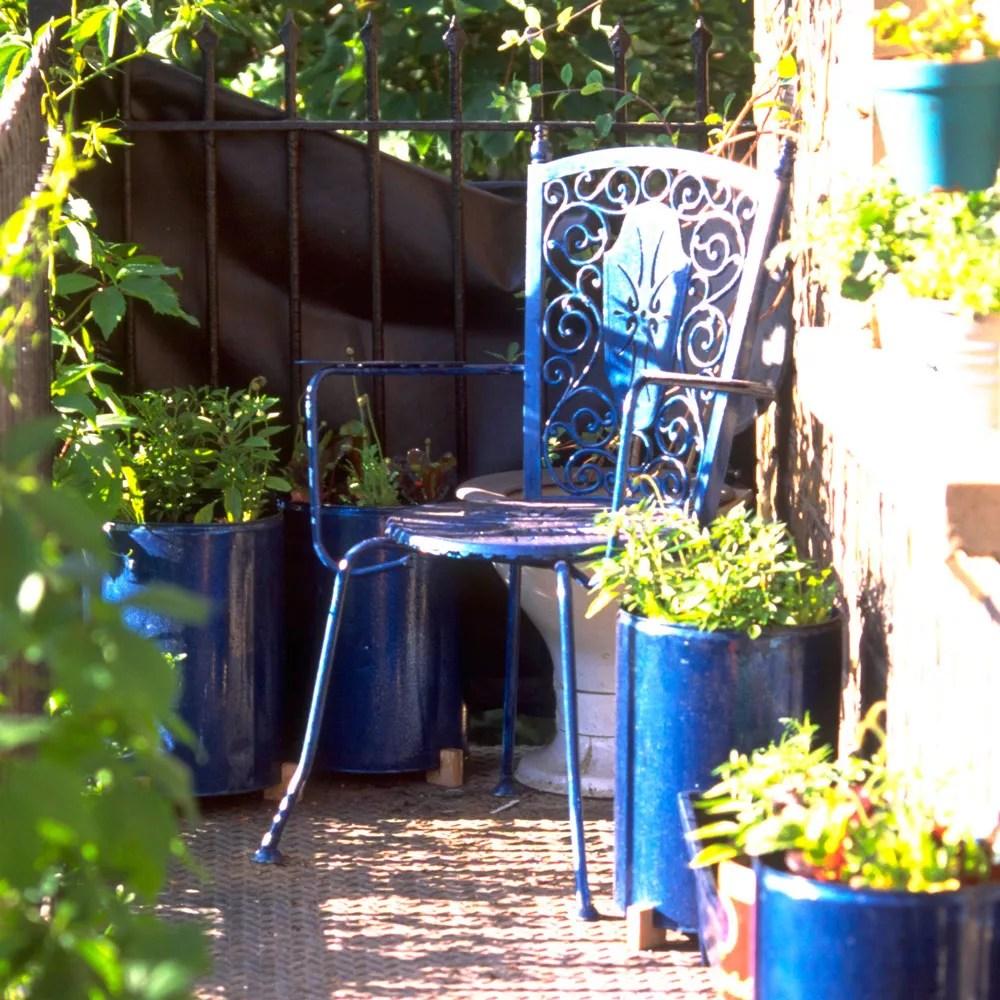 Budget garden ideas - 27 cheap design ideas offering ... on Cheap Back Garden Ideas id=30339