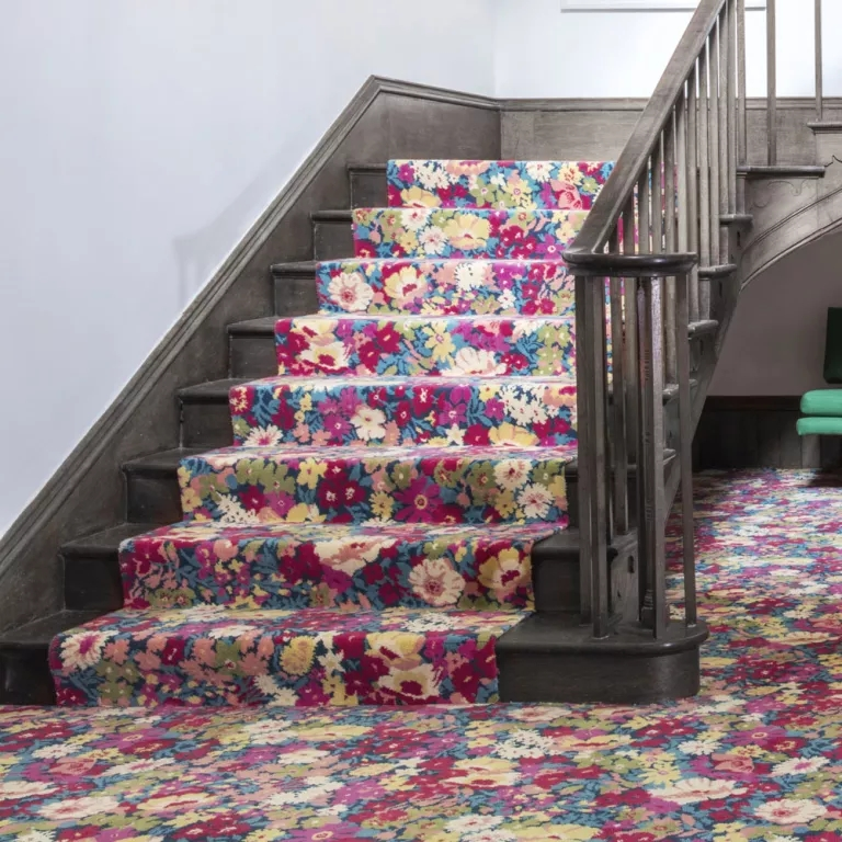 Best Stair Carpets – Our Pick Of The Most Fabulous Flooring For | Best Patterned Carpet For Stairs | Modern | Foyer | Vintage | Stair Triangular Landing | Well Fitted