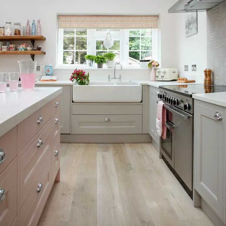 See how this stuck-in-the-70s house was brought into the ... on Kitchen  id=31617