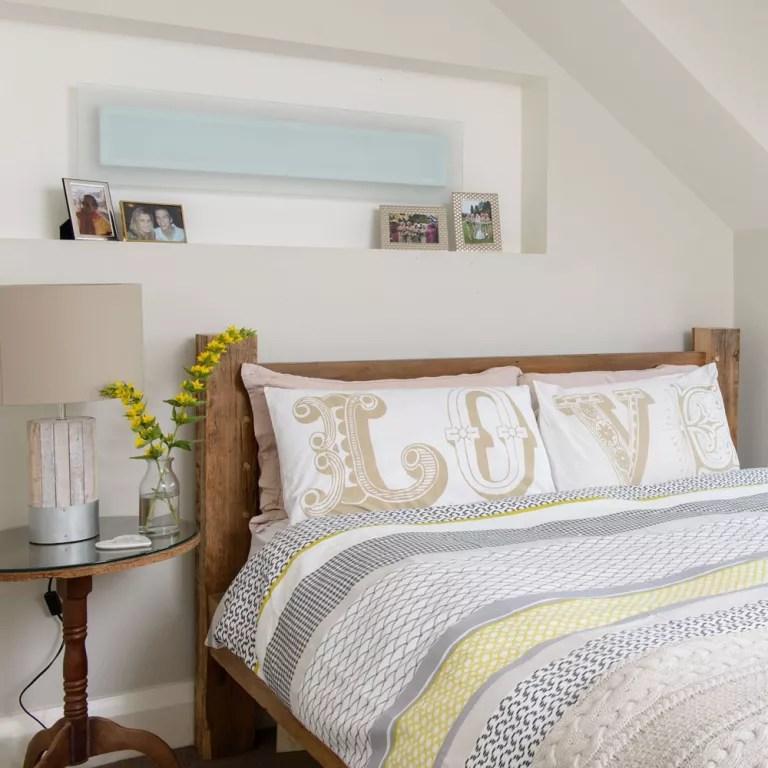 Budget bedroom ideas - Cheap bedrooms - Budget bedroom decor on Cheap Bedroom Ideas  id=71765