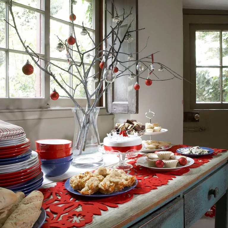 Kitchen Christmas decorating ideas that will cheer up the ... on Kitchen Decoration Ideas  id=12732