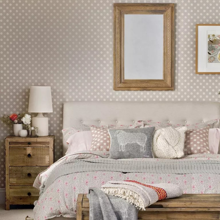 Small bedroom ideas - small bedroom design ideas - how to ... on Small Room Decoration  id=23069
