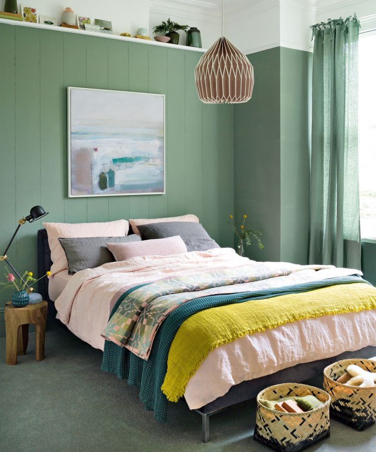 Small bedroom ideas - how to decorate a small bedroom ... on Small Room Ideas  id=58888