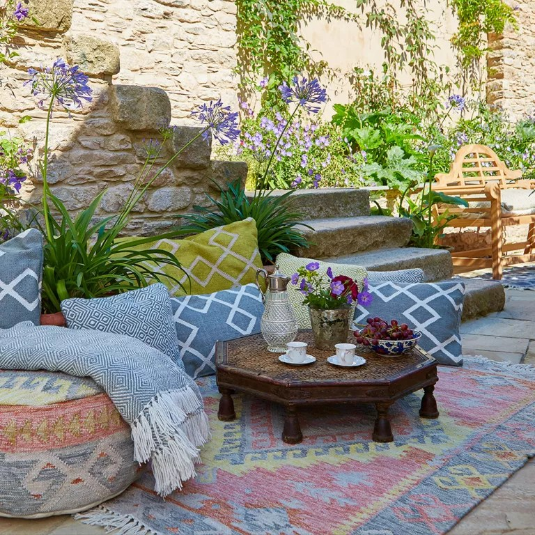 Budget garden ideas - 27 cheap design ideas offering ... on Garden Design Ideas On A Budget  id=47178