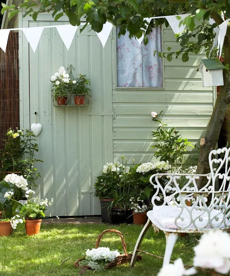 Easy garden ideas - simple updates to transform your ... on Garden Patio Wall Ideas id=94654