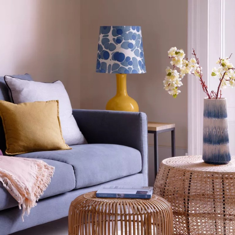 Living-room-lighting-ideas-shade-and-base