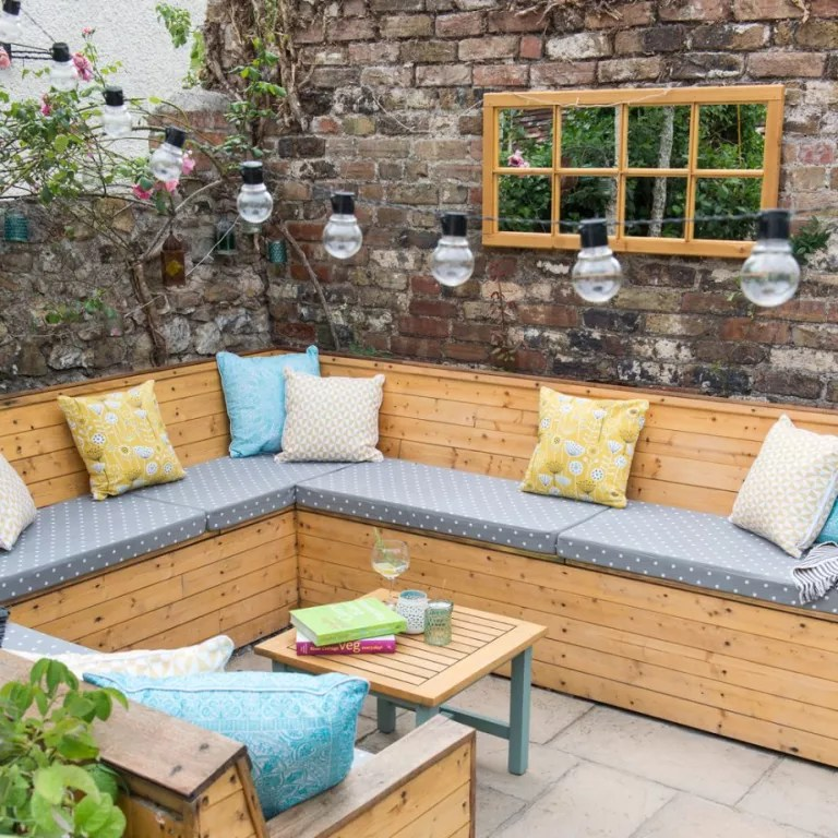 Garden seating ideas for your outdoor living room on Backyard Lounge Area Ideas id=46590
