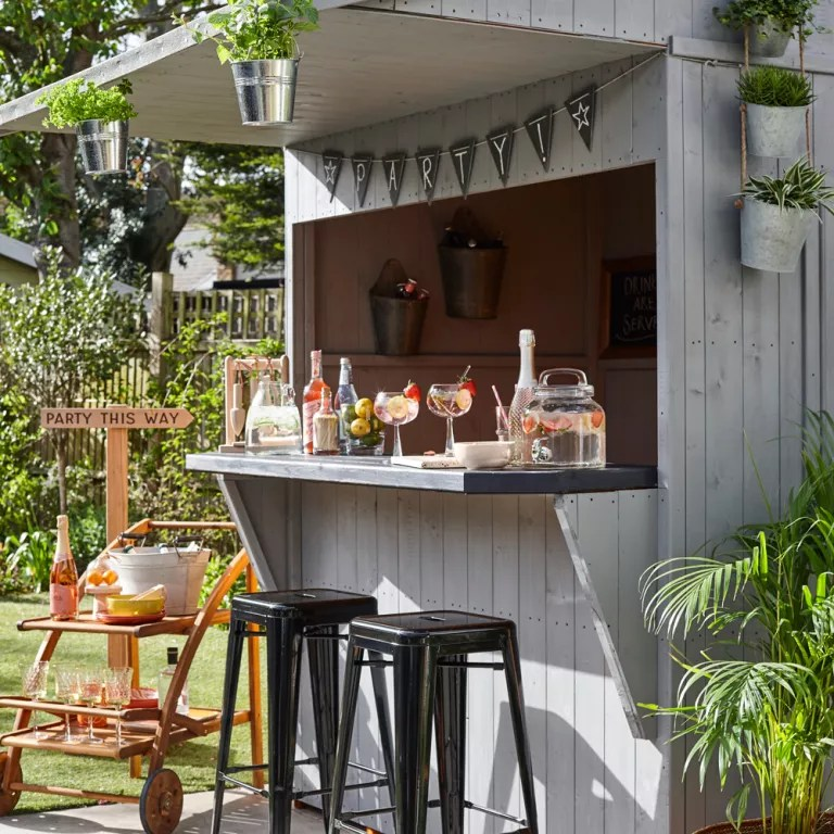 Budget garden ideas - 27 cheap design ideas offering ... on Cute Small Backyard Ideas id=67167