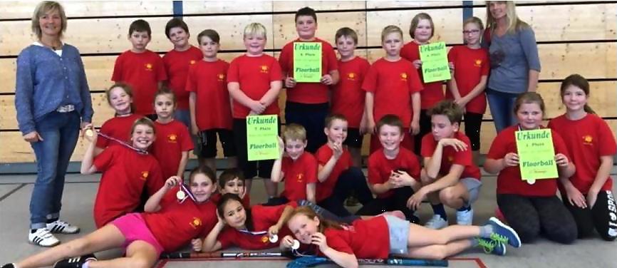 Die Mädchenmannschaft der Henninger Grundschule gewann Gold. Foto: Heino Radtke