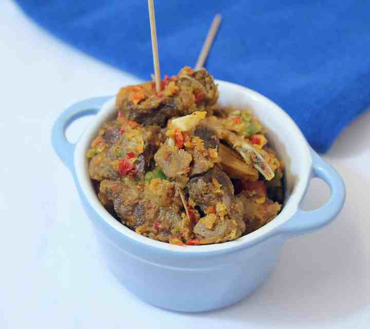Asun (spicy smoked goat meat 2)