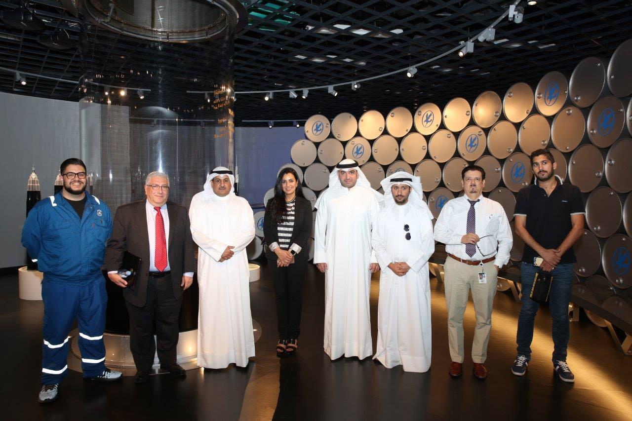 زيارة لمعرض أحمد الجابر للنفط والغاز بشركة نفط الكويت