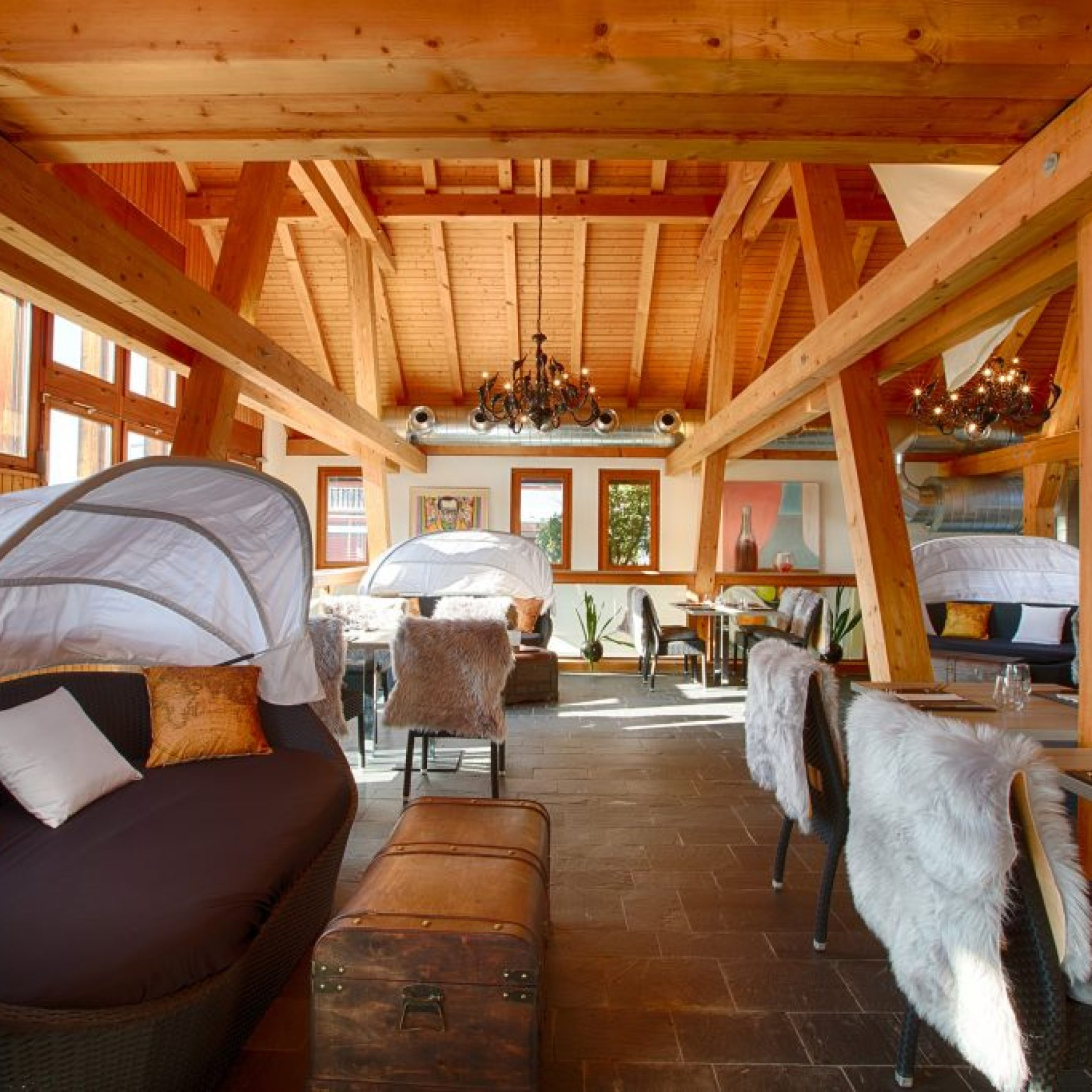 Picture Stylish Restatuant and Bar wooden roof