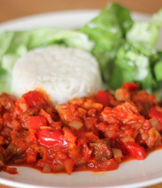 Mućkalica – Grillowane, duszone mięso z warzywami