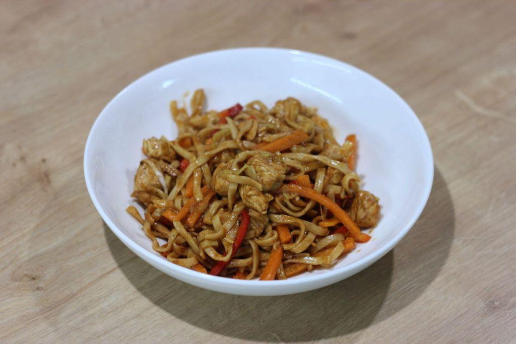 Gotowy chow mein