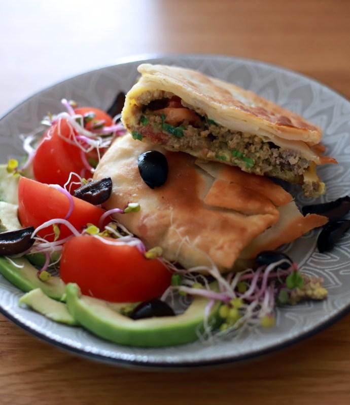 Mutabbaq – placek nadziewany mięsem