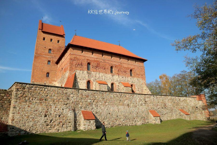 立陶宛旅行|Trakai Island Castle維爾紐斯特拉凱水中城堡,如童話故事般浪漫的存在