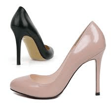 nude and black pumps img