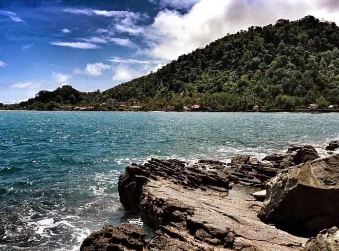 Pantai Wartawan Fenomena Sumber Air Panas di Tepi Pantai ...