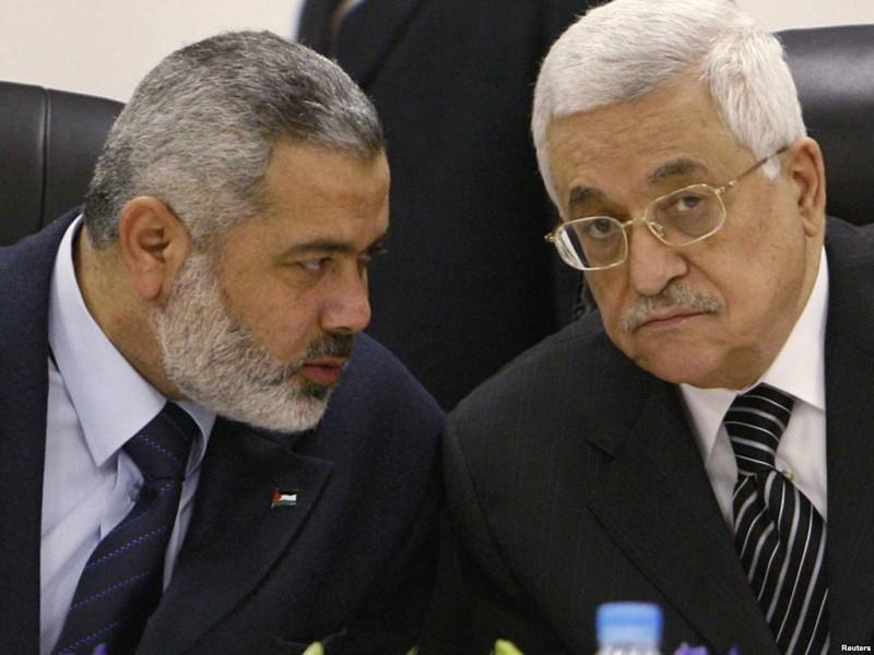Хания и Аббас давно пытаются договориться, но ничего у них не выходит...
