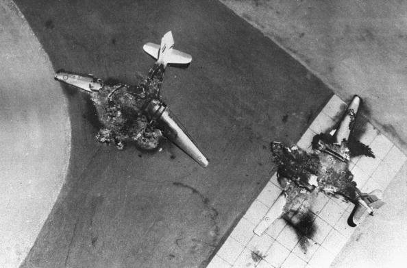 Шестидневная война. Уничтоженные на земле израильтянами египетские самолеты.