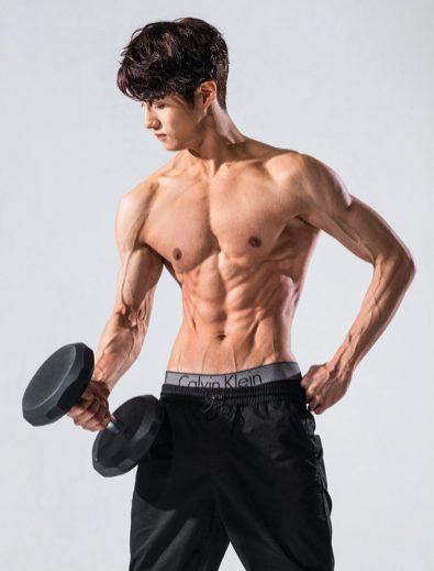 Pentagon - Yeonone Mens health 2