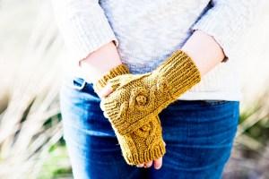 © Kalurah Hudson Mirkwood Mitts by Kalurah Hudson (knit)