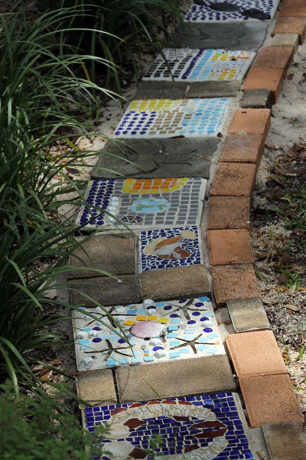 mosaic art garden border
