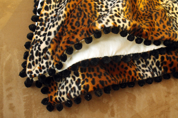 Catnap Blanket, Blanket, Faux Leopard Fur, Pom Poms