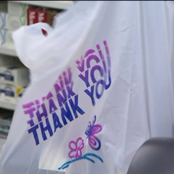 L.A. City Council Tentatively Approves Ban on Plastic Bags