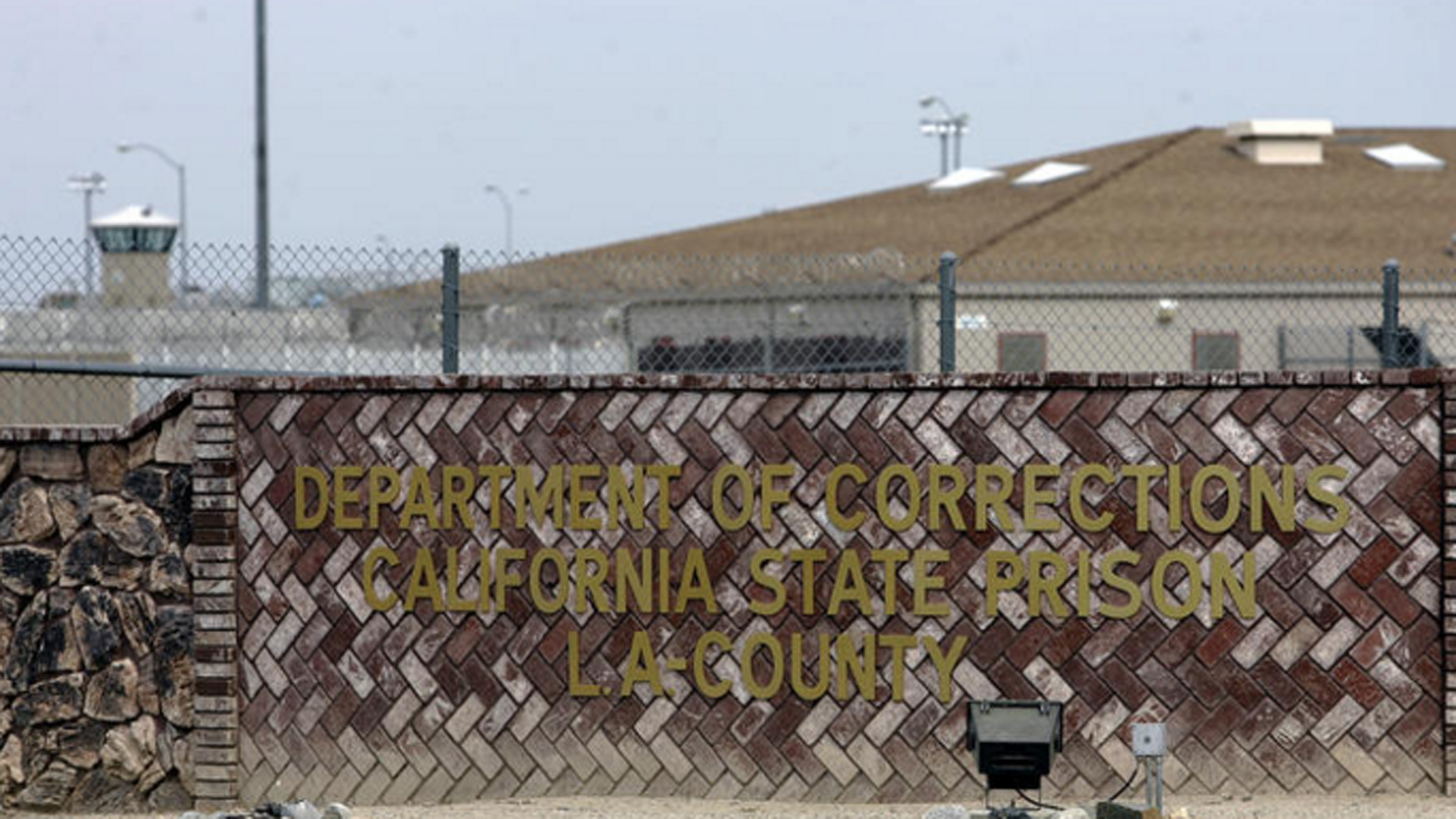 California State Prison-Los Angeles County in Lancaster is pictured. (Credit: Spencer Weiner / Los Angeles Times)