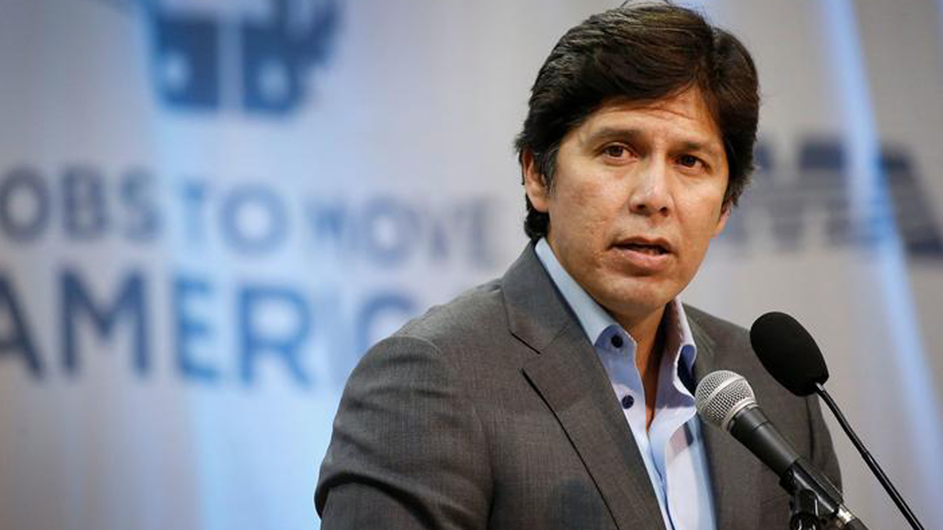 """Last week, California beat President Trump in a federal court battle over the future of the DACA program, and the Dreamers who continue to live here under its protection,"" De León said in a statement. ""Now, he is lashing out."" (Credit: Al Seib / Los Angeles Times)"
