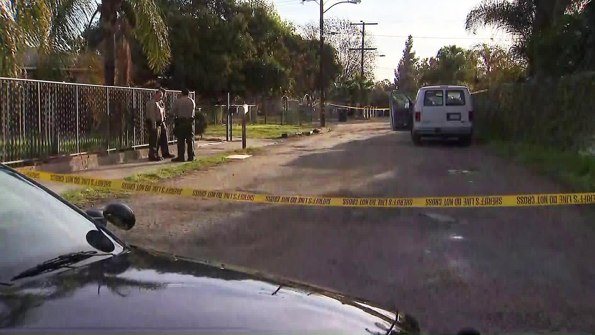 Authorities investigate a fatal stabbing in Pico Rivera on Jan. 8, 2019. (Credit: KTLA)