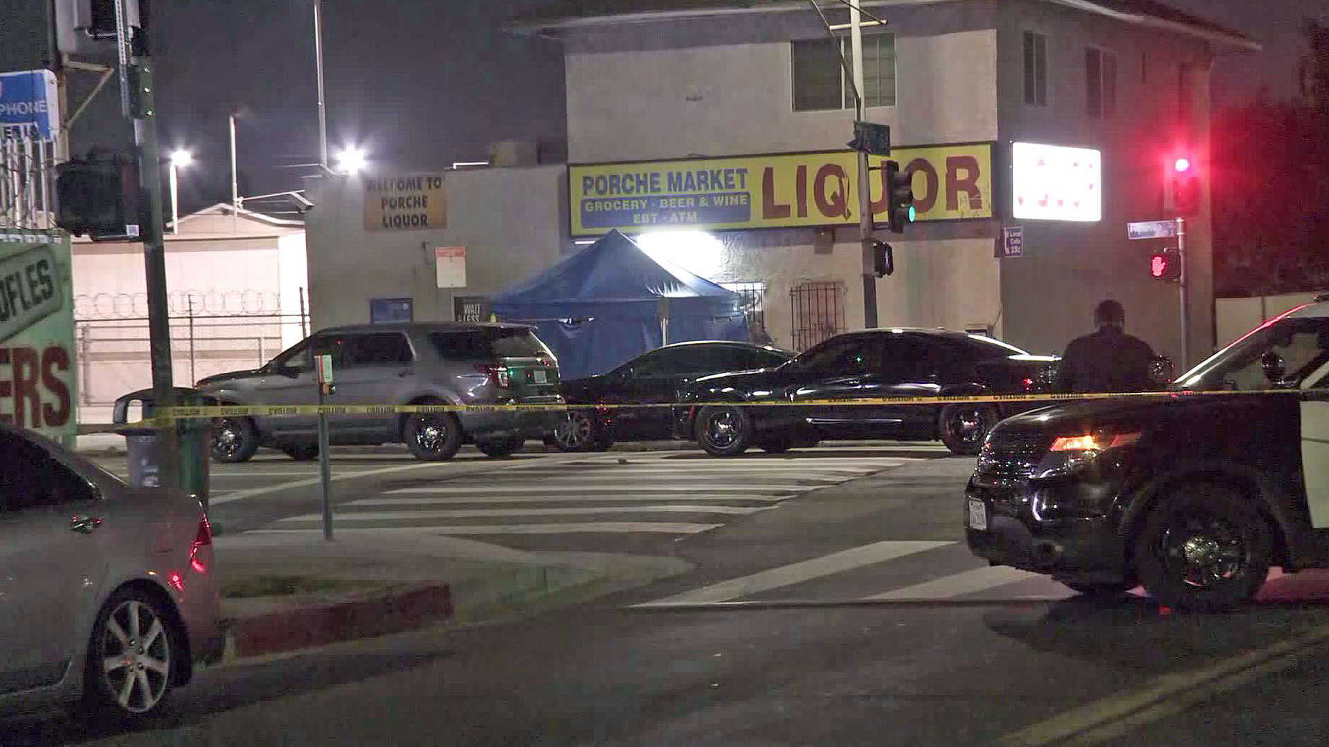 Police investigate a fatal shooting in South Los Angeles on Sept. 3, 2019. (Credit: KTLA)