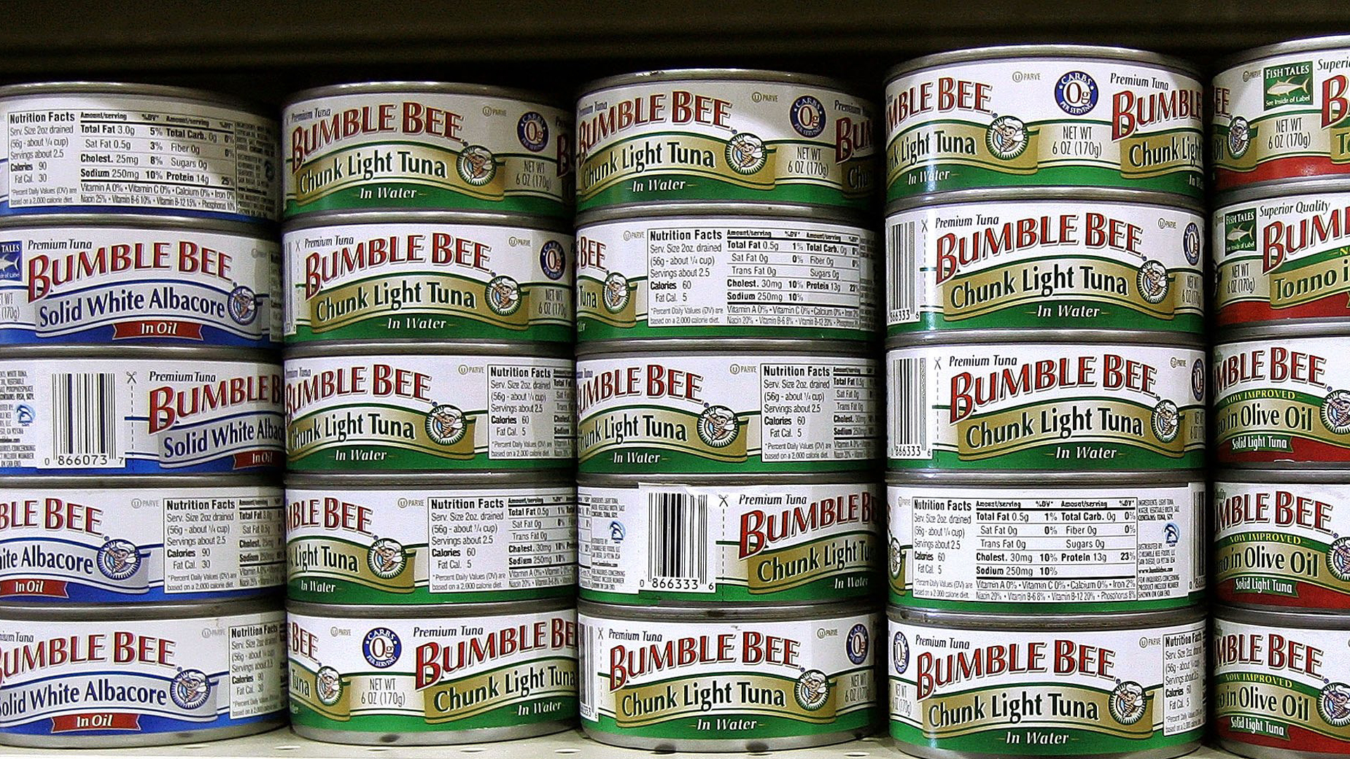Cans of Bumble Bee tuna are displayed in a grocery store on Jan. 27, 2006, in Des Plaines, Illinois. (Credit: Tim Boyle/Getty Images)