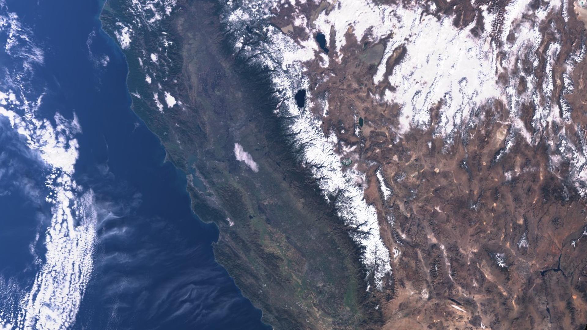 Satellite imagery shows snow blanketing the Sierra Nevada on Dec. 16, 2019. (Credit: Sentinel-3/European Space Agency)