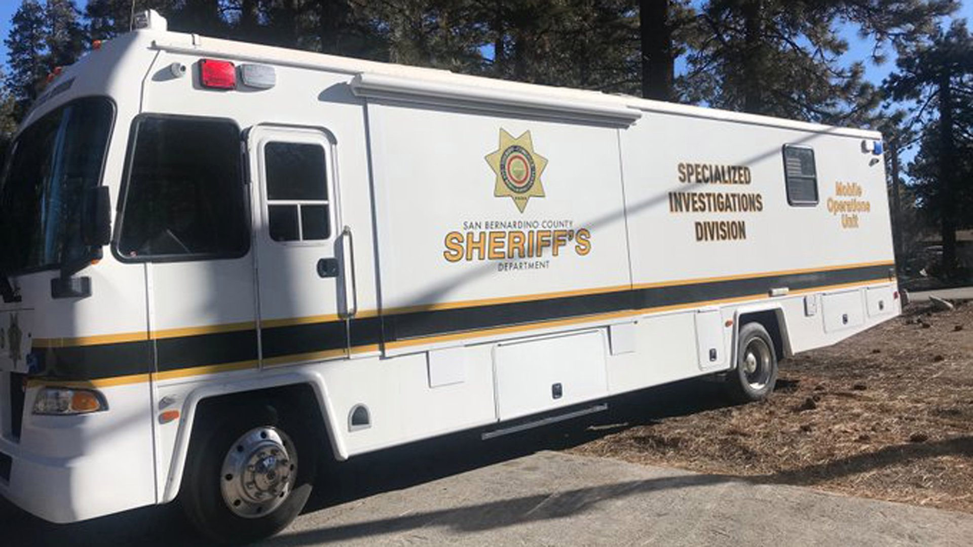 Sheriff's homicide detectives responded to Fawnskin to investigate the deaths of a man and a woman on Feb. 3, 2020. (Credit: San Bernardino County Sheriff's Department)