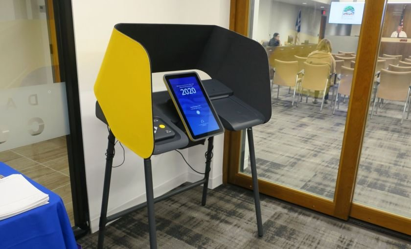 A new ballot marking device is seen at a voting center at La Cañada City Hall in 2020. (Credit: Sara Cardine / Times Community News)