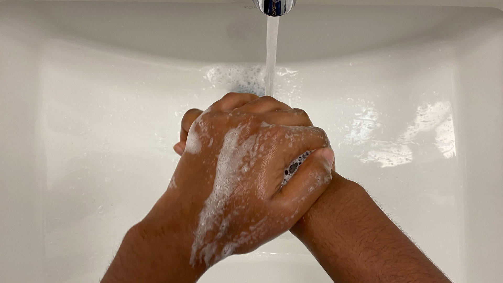 The CDC says the best way to prevent transmission of the novel coronavirus is by thoroughly washing your hands with soap and water (Scottie Andrew/CNN)