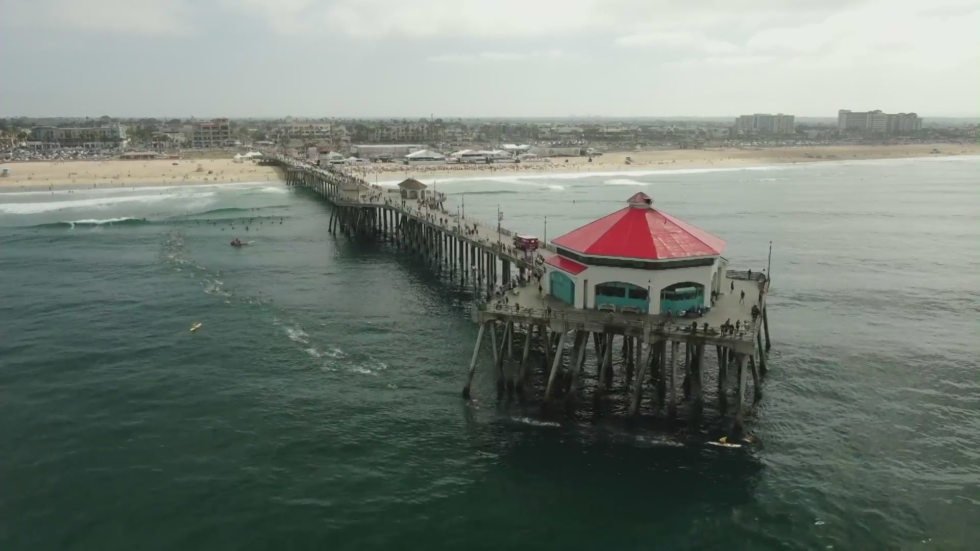 Ruby's Diner on the Huntington Beach Pier is seen in this file image. (KTLA)