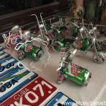 Pamiątki robione z puszek po piwie.